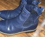Черевики, кросівки, чоботи